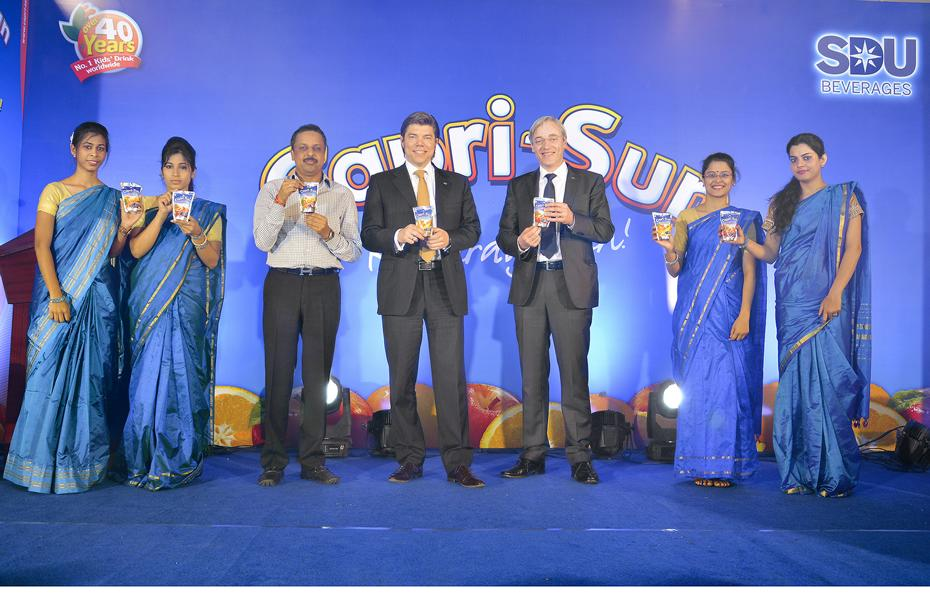 Capri-Sun launch in India (from left): Kishore Agarwal, Owner and Managing Director of SDU Beverages, Carsten Kaisig, CEO Capri-Sun, and Peter Böck, Head of Sales & Marketing, Capri-Sun, are pleased to present the new cooperation.